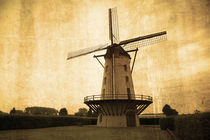 Le Moulin Jaune  by Rob Hawkins