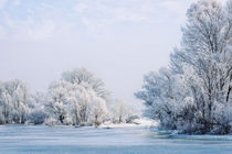 Frozen Water, Snow and Ice on the Dnieper River von maxal-tamor