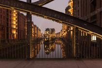 Wasserschloss mit Brücke by Simone Jahnke