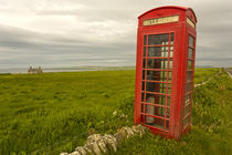 Die rote Telefonzelle auf Orkney by Andrea Potratz