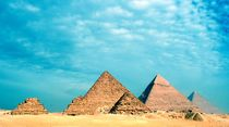 The Great Pyramids at Giza by Sheryl  Chapman