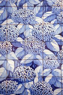 Floral tiles by Gaspar Avila