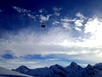 Flying to Schilthorn by Bettina Schnittert