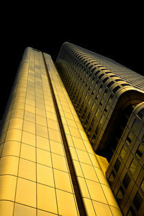 Goldenes Hochhaus by Michael Schickert