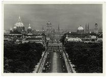 Berlin, Blick von der Siegessäule nach Osten / Fotopostkarte von AKG  Images