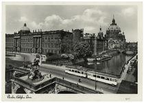 Berlin, Stadtschloss mit Kurfürstenbrücke und Dom / Fotopostkarte um 1937/38 by AKG  Images