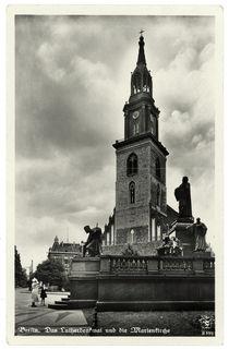 Berlin, Marienkirche und Luther-Denkmal / Fotopostkarte, um 1935 von AKG  Images