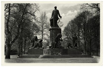 Berlin, Bismarck-Nationaldenkmal / Fotopostkarte, um 1940 by AKG  Images