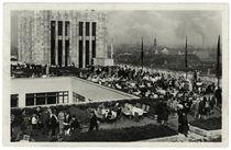 Berlin, Dachgarten Kaufhaus Karstadt / Fotopostkarte, um 1930 by AKG  Images