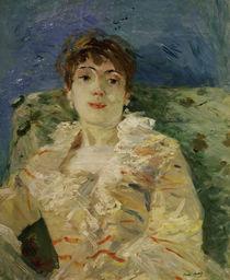 B.Morisot, Junge Frau auf dem Sofa von AKG  Images
