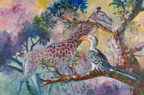 Giraffe and Hornbill, South Africa von Geoff Amos