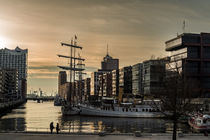 HafenCity Sonnenuntergang by fotolos
