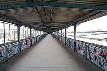 Fußgängerbrücke Storkower Straße in Berlin von frakn