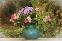 Blumen - Stillleben by Claudia Evans