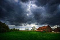 Dunkle Wolken .... by Stefan Kierek