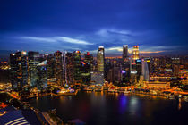 Singapur Skyline by Night by globusbummler