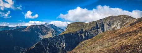 Tatra-mountains-in-autumn-pano