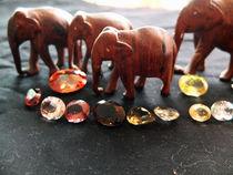 Edelsteine und Elefanten 1 by Eva Dust