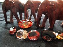 Edelsteine und Elefanten 2 by Eva Dust