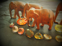 Edelsteine und Elefanten 3 by Eva Dust