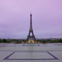 Eiffel Tower in sunrise at Trocadero, Paris von Bastian Linder