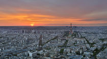 Skyline of Paris from above in sunset von Bastian Linder