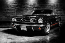 ford mustang cabriolet, black and white von hottehue
