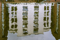 Hausfassade Spiegelung von fotolos