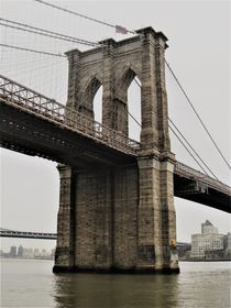Der Brooklyn Bridge Stone-Tower by assy