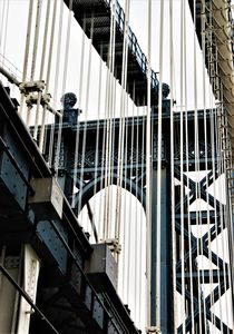 Manhattan Bridge-Pfeiler mit Tragkabeln by assy