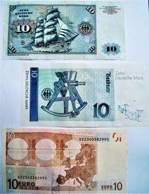 10 DM und 10 Euro-Scheine von assy