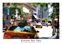 Lunch Hour on 5th Avenue by Lise Ringkvist