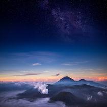 Vulkan Bromo mit Milchstraße von moxface