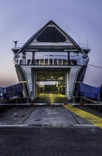 Aero car ferry in dawn. by Mathias Hüber