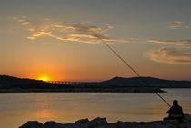 Fishing the sun back von Azzurra Di Pietro