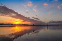 Der Tag erwacht - Sonnenaufgang über dem Zeller See - Bodensee by Christine Horn
