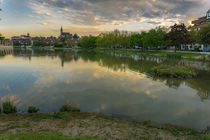 Frühlingsmorgen im Park mit See by andreas-marquardt