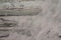 Sylt_11 - Holzplanken und Strandsand von André Schuckert