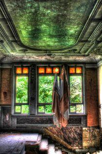 Verlassenes Treppenhaus by Eva Ueberhofen