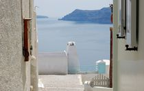 View from the doors of the Aegean sea von Yuri Hope