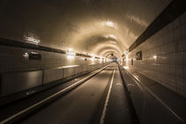 der alte elbtunnel by Manfred Hartmann