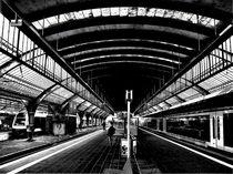 Bahnhof Oldenburg - Gleishallen von Detlev Kluin