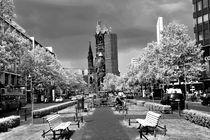 Tauentzienstraße mit Gedächtniskirche von Christian Behring