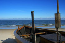 Fischerboot am Strand von Ahlbeck von Jens Uhlenbusch