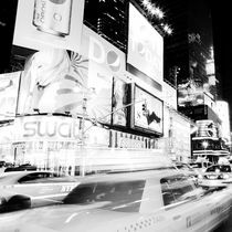 20100428-nyc-times-square-204