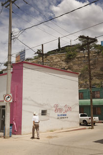 Nogales, Mexico. by Tom Hanslien