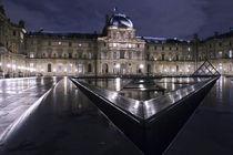 Louvre-depuis-la-pyramide