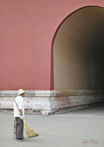 Chinese-street-sweeper by Philip Elberling