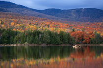 Mountain Lake In Autumn von Paul Lemke