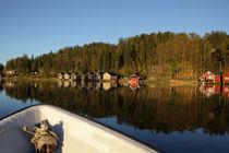 Bootsfahrt auf einer schwedischen Ostseebucht im Herbst by Intensivelight Panorama-Edition